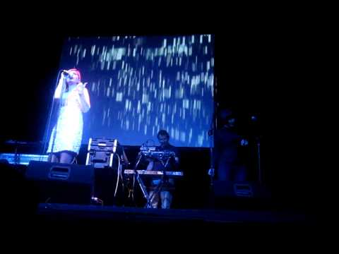 Saint Etienne - A Good Thing (Live @ Teatro Lara, Madrid 15/11/2012)