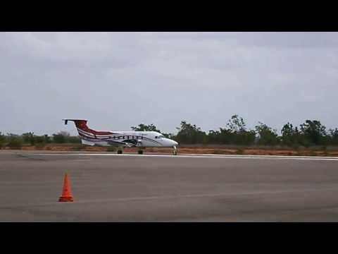 Beechcraft 1900D YV2869 de PDVSA Aterrizaje Aeropuerto de San Tomé Anzoátegui Venezuela