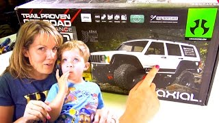 JEM BUiLDS 💖 Her First Axial SCX10 II 2000 Jeep Cherokee 1/10th Scale 4WD Kit - PT 1 | RC ADVENTURES