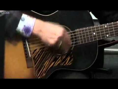 Elvis Costello - Voice In The Dark