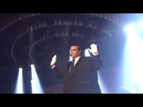 Robbie Williams - No One Likes A Fat Popstar (FRONT ROW) - 22-Sept-14 Brisbane HD
