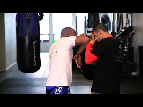4 Kickboxing Elbow Techniques | Muay Thai Image 1