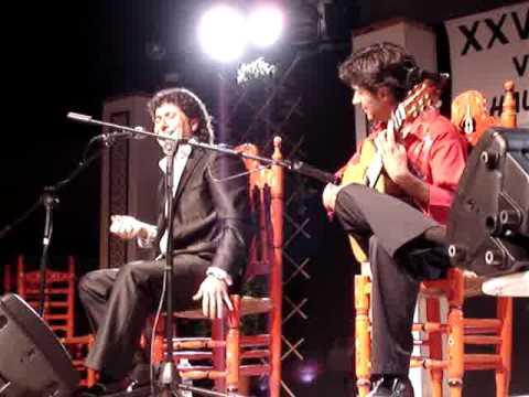 niño de pura con guitarra de palo santo jesus de jimenez.-