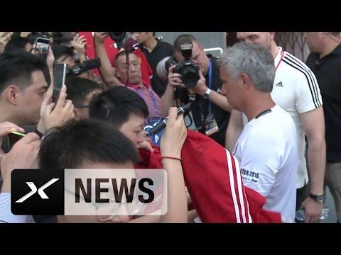 FC Chelsea? Jose Mourinho verweigert Autogramm! | Manchester United