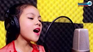 Bé gái xứ Nghệ hát Ví Dặm đốn tim người nghe - Về Miền Quê Em