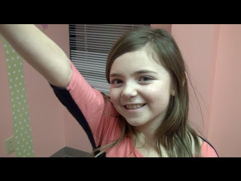 Merry Christmas Courtney & Ben Pope from JTV, video of Kenley & Carley Pope