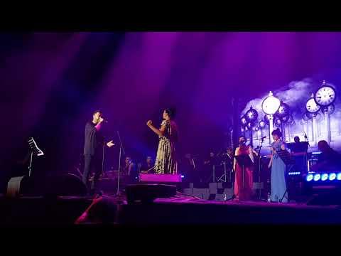"""ליאור נרקיס ודיקלה בביצוע מיוחד LIVE לשיר """"שבע בערב"""""""