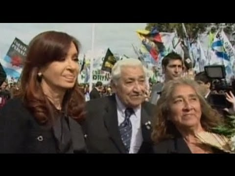 Argentina's Cristina Kirchner: Britain using Falkland Islands as 'smokescreen'