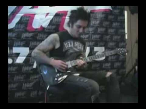 Synyster Gates guitar solo