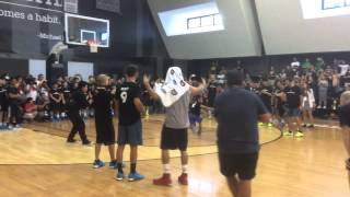 Ricky Rubio goes 1-on-1 against a kid