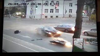 Accident cu BMW și motocicletă, la Bibliotecă