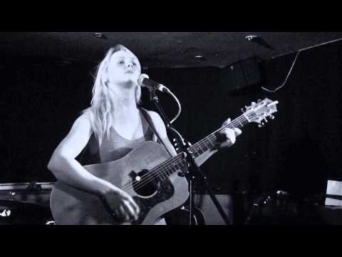 Laura Marling : Surprise live performance : Wilmington Arms 10 April 2013