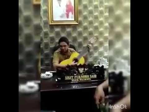 Mantab ! Pasha Ungu - Karna Su Sayang [Original Video] Near ft Dian Sorowea