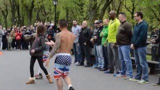 New York - Street Acrobat performance - Central Park - PART 1