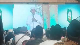 KH. Anwar Zahid di Ponpes Mambaus Sholihin Gresik.