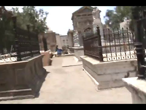 El cementerio ( encontre 2 fantasmas ghost )