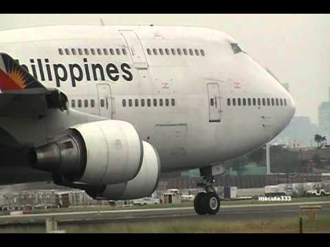 2 Philippine airline Boeing 747-400 Take off