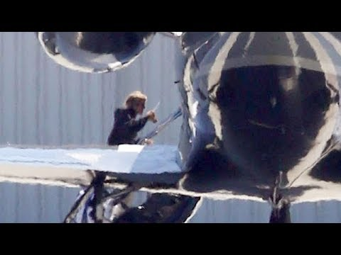 EXCLUSIVE - Justin Bieber Takes A Private Jet To Coachella [What A Waste!]