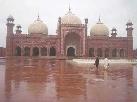 Badshahi Mosque Monsoon Rain Time 8:15 AM - 9:10 AM 20 July 2010 Lahore Pakistan
