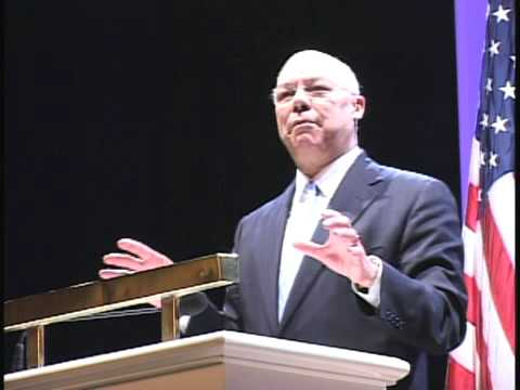 Colin Powell speaks about leadership at Colgate University