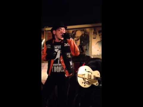 Mutsumi Yanagiya & THE RAT BONES japanese psychobilly rocka