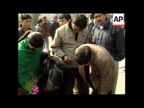 Maoist rebels shoot dead police chief