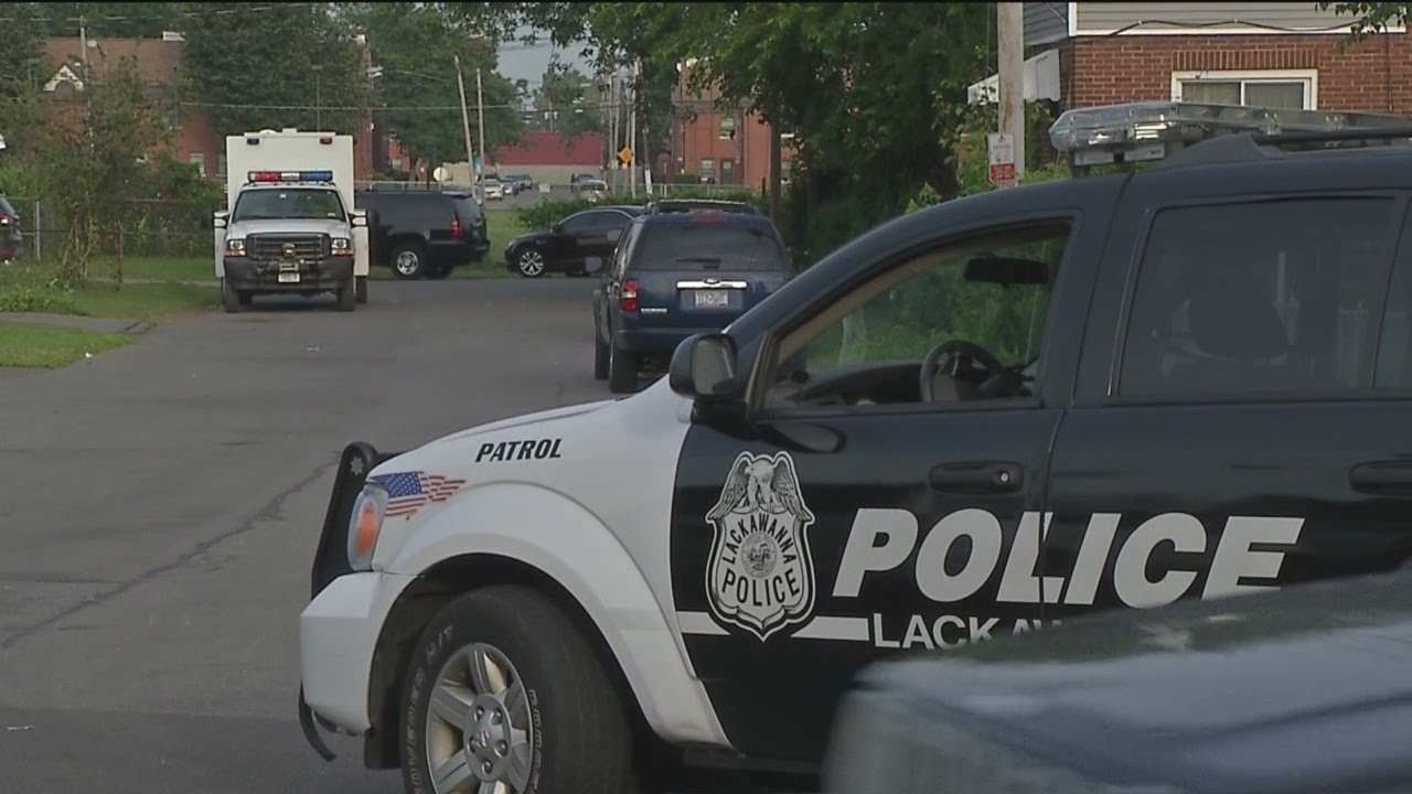 F.B.I. executing warrants in Lackawanna