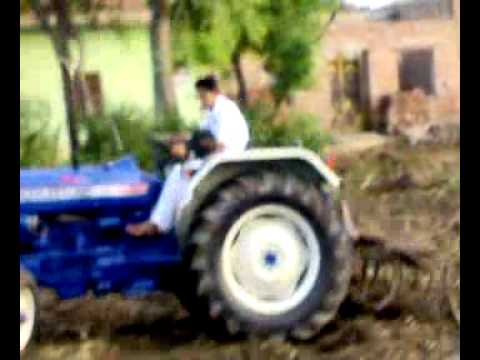 Maan's Tractor Stunt 2 video