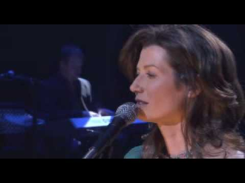 Amy Grant - If These Walls Could Speak