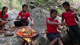 Cooking Two Crabs Spicy with Peppers and Eating delicious - My Natural Food Ep 10