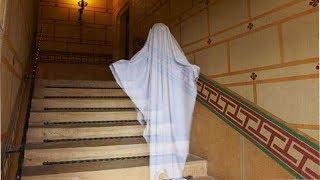 घोस्ट हंटर का दावा, दो भूतों को देख चुका है आपत्तिजनक हालत में