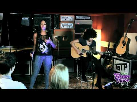 Alexandra Burke - Heartbreak On Hold (Live Acoustic)