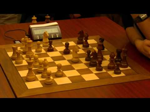 Levon Aronian crushes Hikaru Nakamura in a decisive game of the World Blitz Chess Championship 2010