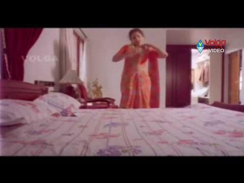 Raja Hug To Meena At Dress Changing Time... video