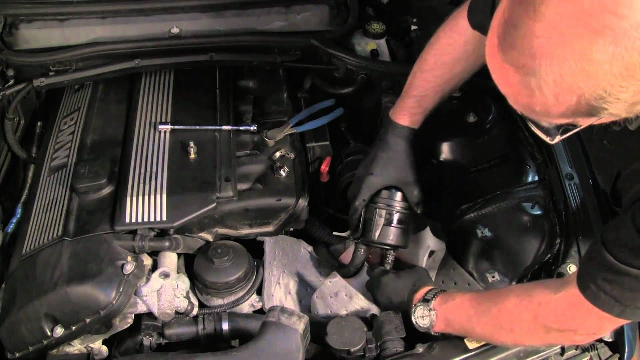 Changing The Power Steering Filter Amp Fluid On A Bmw Youtube