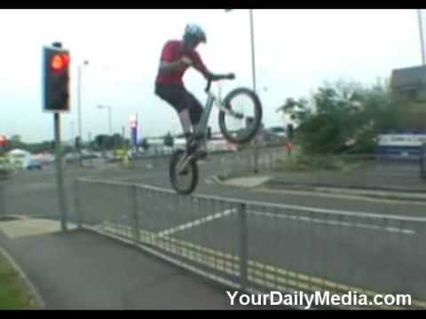 Unbelieveable Bike Tricks & Stunts
