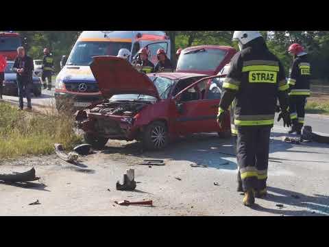 Wypadek W Międzylesiu  Peugeot Zderzył Się Z Citroenem