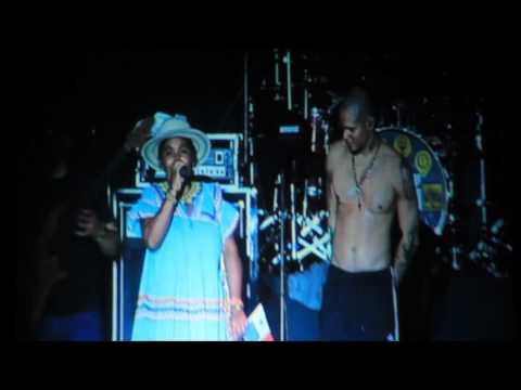 Prensa.com: Calle 13 junto a Silvia Carrera en Panamá