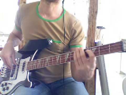 L12 Fast bass fill in Dm