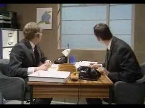 Monty Python - Oficina (gente cayendo)