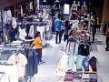 download Pencopet di mall resinda karawang terekam cctv