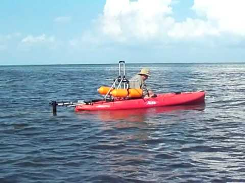 Trolling Kayak Motor w/ Leaning Post & Stabilizers  WATCH THIS GUY