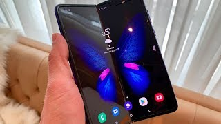 'Galaxy Fold' Hands-On Review: Does it Feel Like $2,000?