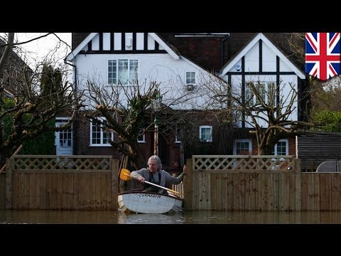 Thames flooding: crisis worsens as swollen river threatens London