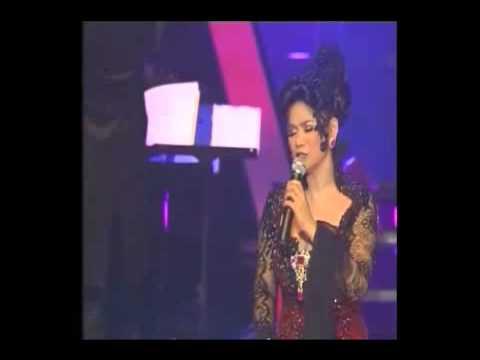 Cinta - Vina Panduwinata (Viva Vina Concert with lyrics)