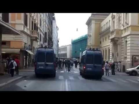 Protest politics in Rome, Italia 20140724 (The end of democracy
