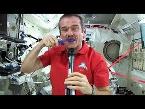 Astronaut Demonstrates How To Brush Your Teeth At Zero Gravity