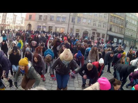 FLASH MOB HAPPY Wrocław POLAND