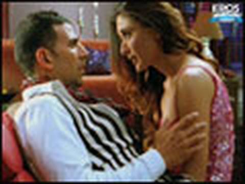Must See Kareena Kapoor Trying To Woo Akshay Kumar - Kambakkht Ishq video