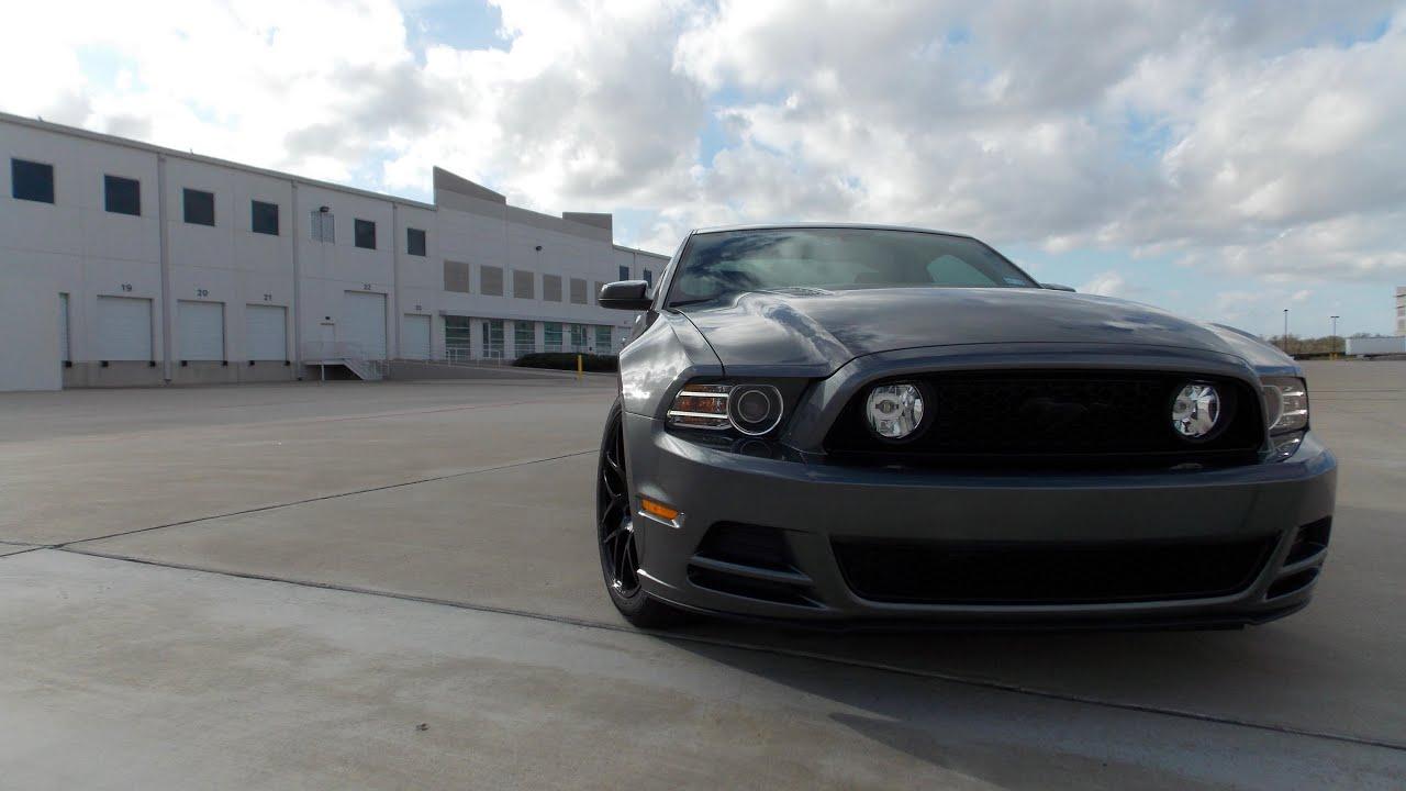 Mustang Gt 5 0 Vs 2013 Camaro Ss Youtube